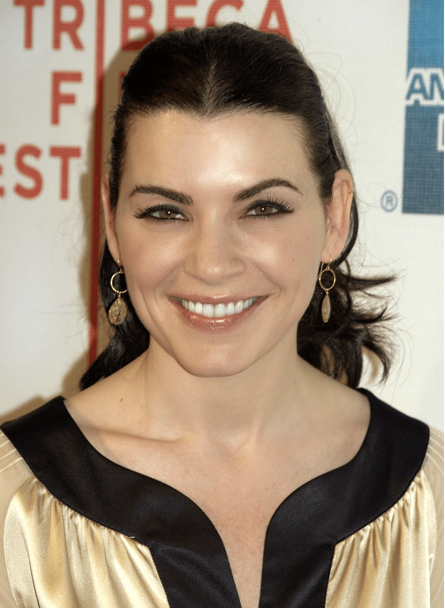 famous nurses-Julianna Margulies as famous nurse hathaway